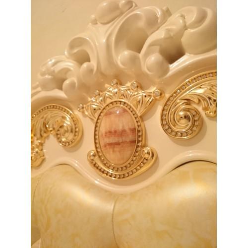 Золочение мебели золотом